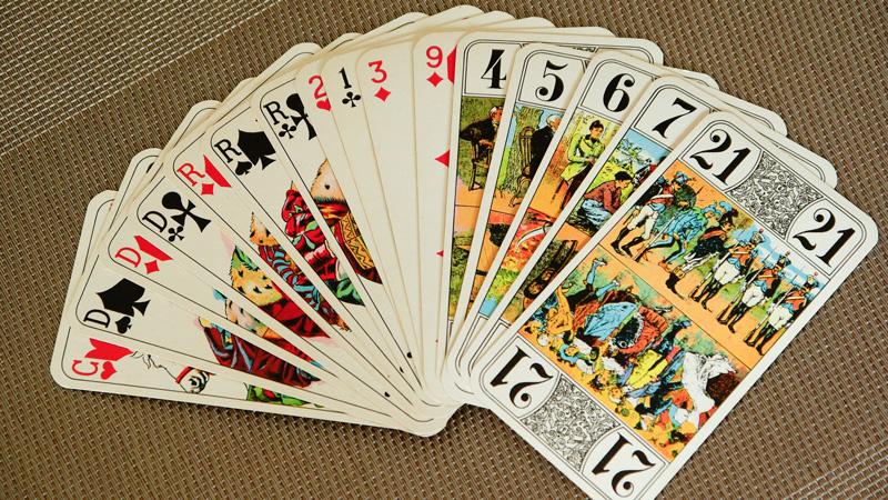 association-tarot-playing-cards-1897030