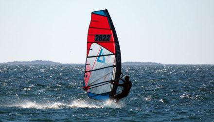 Marin ALMAGRIDA au championnat de France de planche à voile