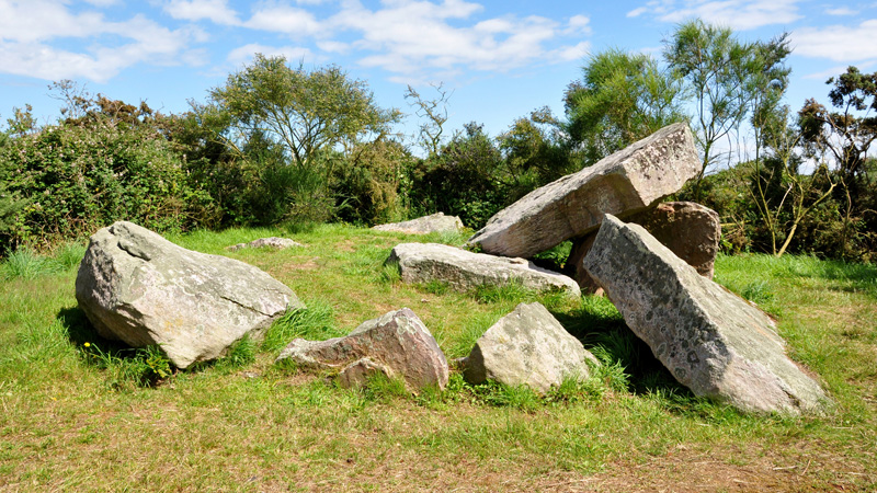 dolmen-de-la-ville-hamon-02