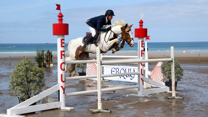jumping-erquy-plage-02