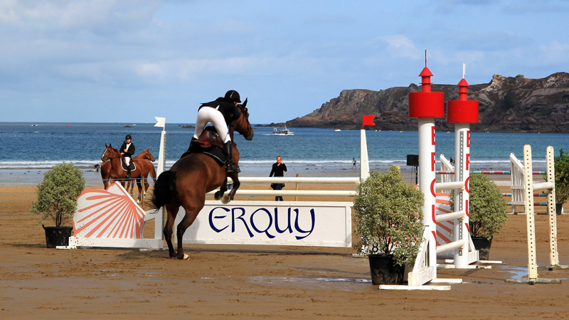 jumping-erquy-plage-03