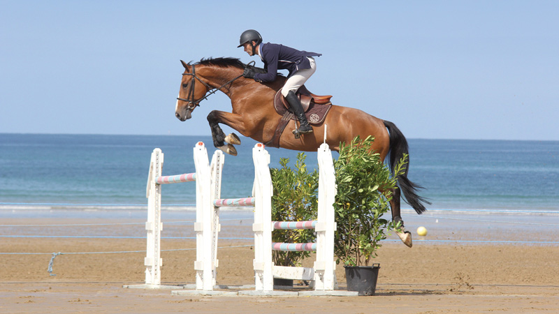 jumping-erquy-plage-04-photo-clement-delarue